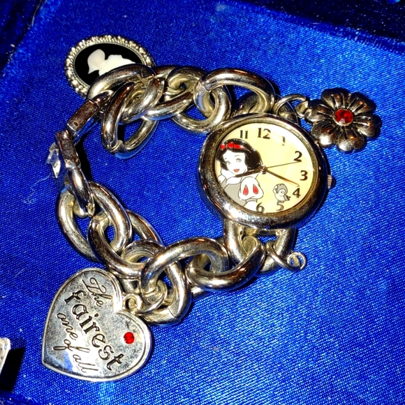Beautiful vintage Snow White charm bracelet watch